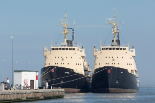 Danish_Icebreakers_laid-up_at_Hals_010