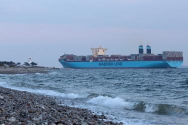 Mogens_Maersk_off_Sletterhage_003