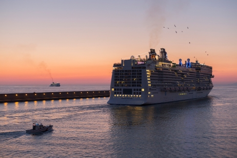 norwegian_epic_in_civitavecchia_001