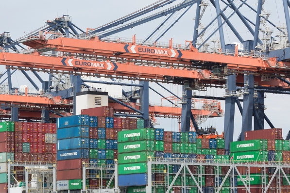 Port_of_Rotterdam_Euro_Max_001