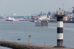 Stena_ships_in_the_Caland_Kanaal_001