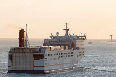 Stena_Transporter_departs_Hoek_van_Holland_004