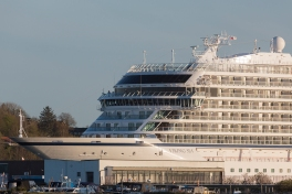 Viking_Sea_departs_Aalborg_001