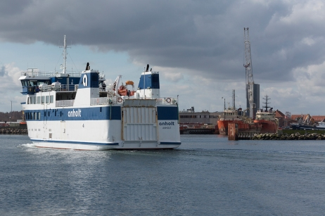 Anholt_arrives_Grenaa_002