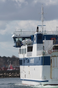 Anholt_arrives_Grenaa_003