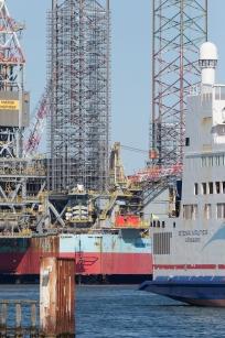 In the background, the Maersk Drilling's rig MÆRSK INSPIRER