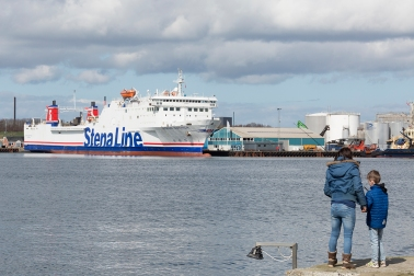 Stena_Gothica_at_Grenaa_004