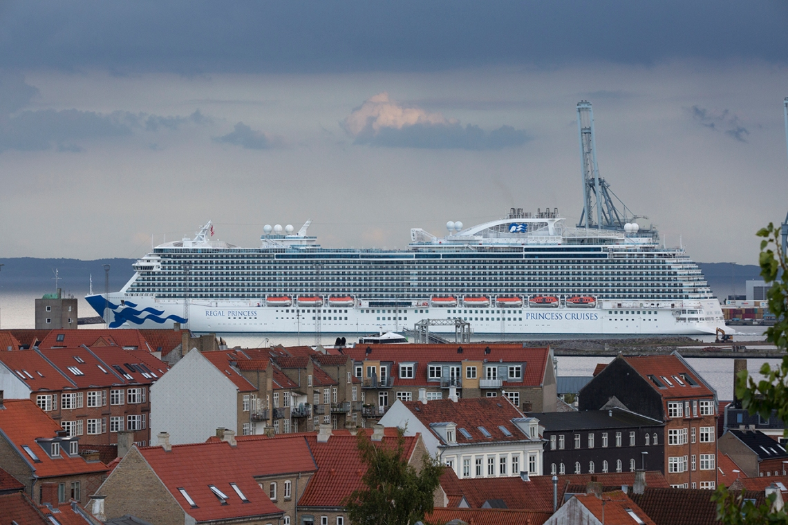 Regal_Princess_in_Aarhus_003